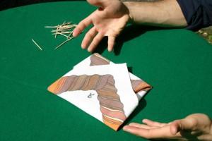 fazzoletto - gioco di prestigio con spiegazione