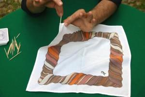 fazzoletto - gioco di prestigio spiegato